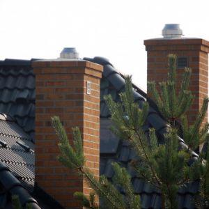 Wraz z postępem techniki grzewczej zmieniły się również kominy. Od niedawna ich funkcje zostały rozszerzone o możliwość dostarczania powietrza do spalania. Fot. Jawar