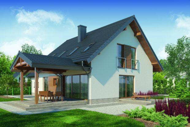 Sofokles 2 PS to projekt praktycznego domu z charakterystycznym zadaszonym tarasem, stworzonego z myślą o 4-5 osobowej rodzinie. Zaprojektowano w nim przestronne wnętrza. W projekcie znalazło się też miejsce na użyteczny duwstanowiskowy garaż.