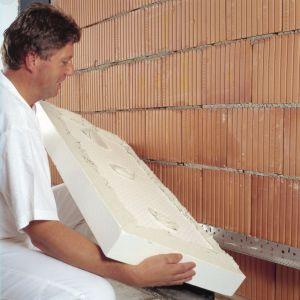Im lepsza termoizolacja, tym większy komfort cieplny i niższe koszty ogrzewania czy chłodzenia pomieszczeń. Fot. Baumit