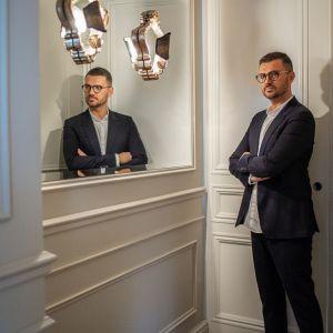 Maciej Zień – jeden z najbardziej znanych i cenionych projektantów mody oraz wnętrz w Polsce będzie naszym gościem specjalnym podczas tegorocznego Forum Dobrego Designu. Fot. Piotr Waniorek