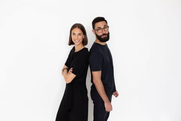 Z Kają Ałaszkiewicz i Domenico Russo – założycielami studia projektowego Nudo Design, prelegentami Forum Dobrego Designu rozmawiamy o designie, prowadzeniu manufaktury oraz najważniejszych kolekcjach.