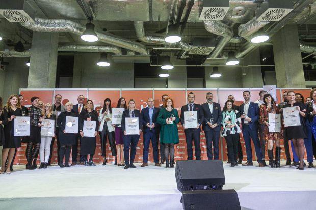Uroczysta gala wręczania nagród w konkursie Dobry Design 2020 zakończyła VII edycję Forum Dobrego Designu. Zobaczcie do kogo trafiły statuetki i wyróżnienia.