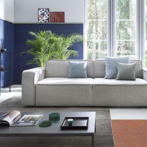 W designie, podobnie jak w modzie, niebieski może posłużyć nam jako baza, wokół której swoją rolę zagrają inne, bardziej eksperymentalne kolory. Fot. OKK! PR