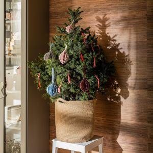 Przedmiotom, które towarzyszą nam przez cały rok, często w prosty sposób można nadać świąteczny wyraz. Fot. VOX