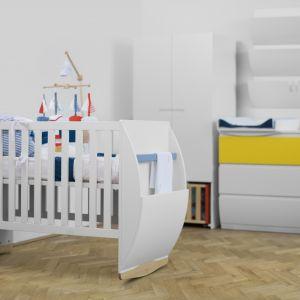 Klasyczne łóżeczko i kołyska w jednym? Dlaczego nie! Odpowiedzią na potrzebę funkcjonalności jest zestaw Hello Baby. Fot. Pacyga.