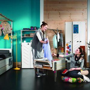 """Kolekcja mebli """"Smart"""" jest dobrym rozwiązaniem zarówno dla małych dzieci jak i dla nastolatków. Nie tylko zapewnia wygodę, ale też pobudza kreatywność. Fot. Meble Vox"""