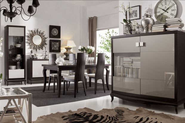 Prostota jest zawsze w cenie, a meble posiadające klasyczne bryły, doskonale wpasowujące się do najróżniejszych przestrzeni domowych, cieszą się niesłabnącą popularnością.