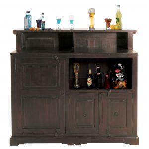 """W ofercie firmy Home Design znajdują się meble nawiązujące do stylistyki kolonialnej – między innymi kredens """"Cabana Bar"""". Fot. Home Design."""
