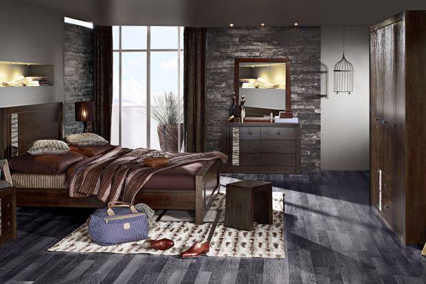 Ciemne meble nie pasują ponoć do małych pomieszczeń. Jak więc je stosować? Pokazujemy, na przykładzie sypialni, że są to meble piękne, a ich wpływ na gabaryty pomieszczenia może być znikomy.