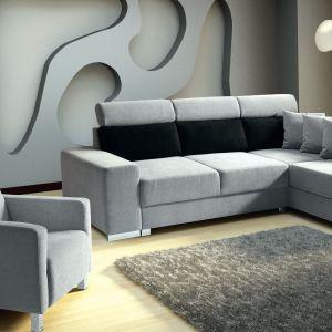 Sofa wyposażona jest w funkcję spania i ruchome zagłówki, a w opcji dostępny jest też ze składanym, podręcznym ministolikiem. Fot. MP Nidzica