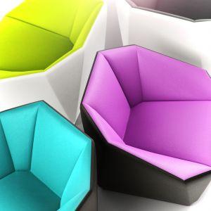 Zestaw mebli modułowych Clip o wyrazistej, geometrycznej formie. Fot. Stella