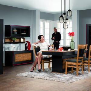 Stół w kolekcji Flamenco, jadalnia w kolorze notte, firmy Mebin Fot. Archiwum