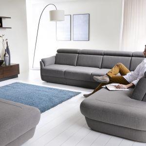 Amethyst to o kolekcja która, dzięki licznym nowoczesnym rozwiązaniom zapewnia komfort wypoczynku. Posiada funkcję spania oraz pojemnik na pościel. Fot. Bydgoskie Meble
