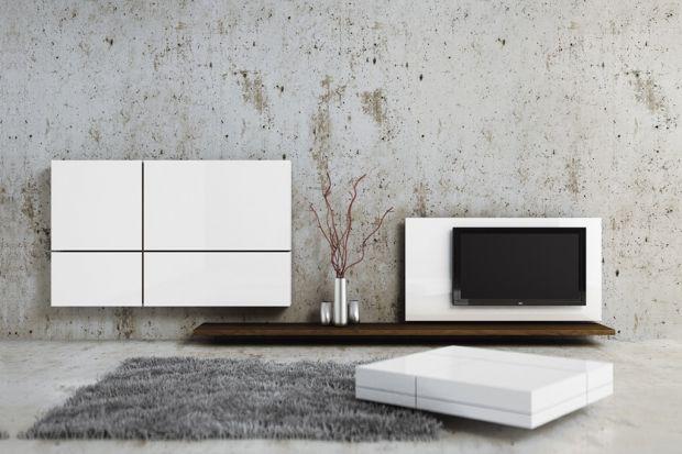 Biały kolor kojarzy się z lekkością, naturalnością i czystością. Jest doskonałą barwą do małych wnętrz. Optycznie powiększa pomieszczenia i doskonale współpracuje ze wszystkimi innymi kolorami.