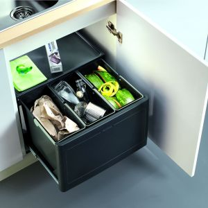 Segregator na 3 rodzaje odpadów Blancobottion Pro Automatic 60/3 marki Blanco/Comitor. Fot.  Blanco/Comitor.