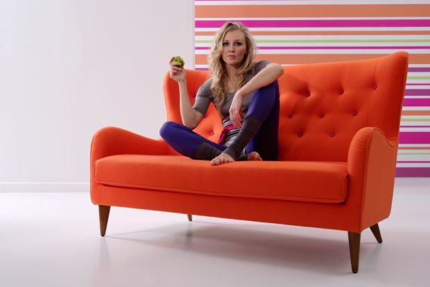Sofa – krótka historia wszędobylskiego mebla