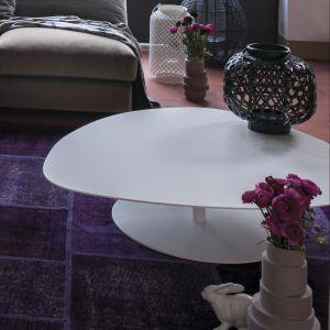 "Stolik ""Ovo"" firmy Arketipo. Oferta: Inter Style Home. Fot. Arketipo."
