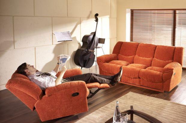 Sofa w salonie. 10 świetnych modeli za mniej niż 2 tysiące