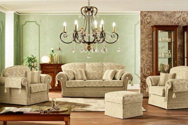 Klasyka w jasnych kolorach - meble wypoczynkowe w salonie