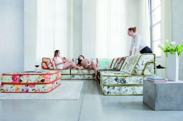 Jak siedzieć to kolorowo! Stylizowane sofy i fotele