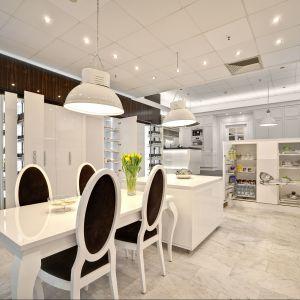 Nowy Salon Peka z showroomem, w którym zaprezentowane są rozwiązania kuchenne kilku marek. Fot. Gmphotostugio