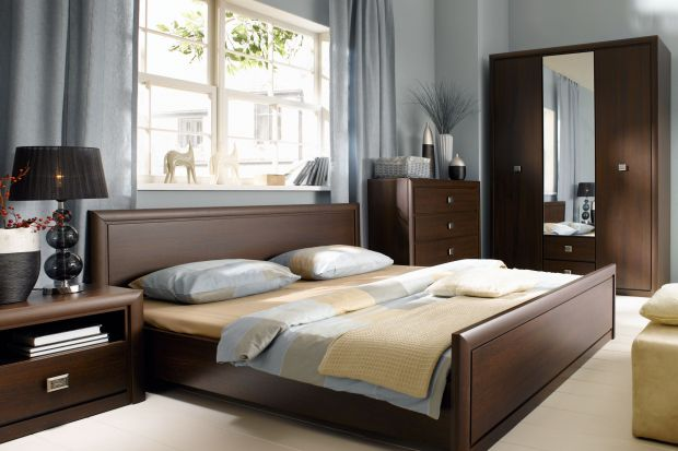 Kolekcja do sypialni w nieco odświeżonej klasycznej wersji.