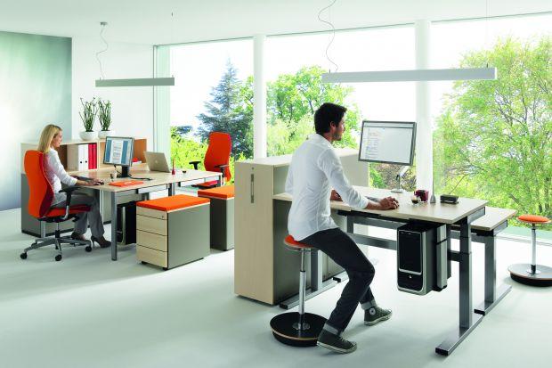 Wygodne biuro. 10 świetnych foteli i krzeseł