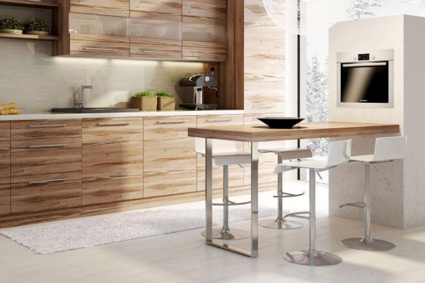 Urok drewna w kuchni nowoczesnej. Zobacz jak to wygląda!