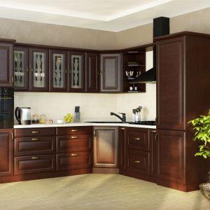 """Kuchnia """"Lazuryt"""" marki Mebin wyprodukowana została z litego drewna. Fot. Mebin"""