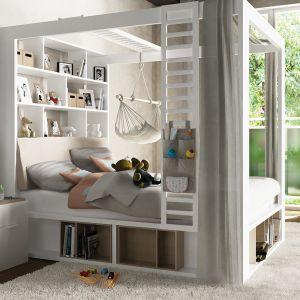 Wielofunkcyjne łoże 4You zastąpi niemal wszystkie meble w sypialni. Jest funkcjonale i sprawia, że leżąc na łóżku masz dosłownie wszystko w zasięgu ręki. Fot. Meble Vox