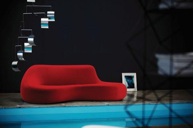 Kobiece kształty sof i foteli. Oto kuszące propozycje