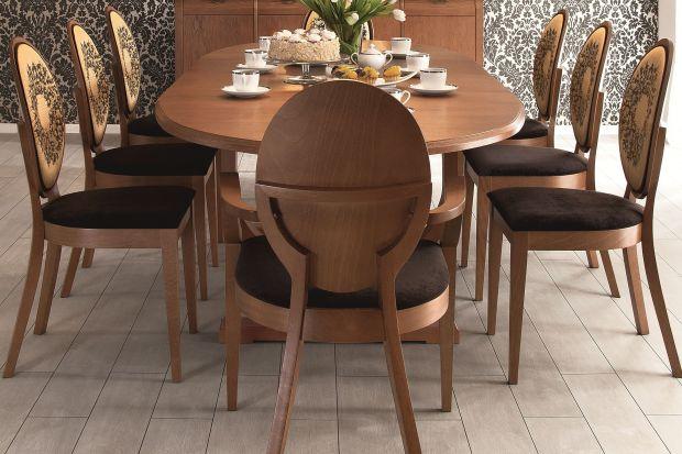 Klasyczne meble mieszkaniowe, które swym pięknym, naturalnym kolorem dodadzą wnętrzu przytulności.