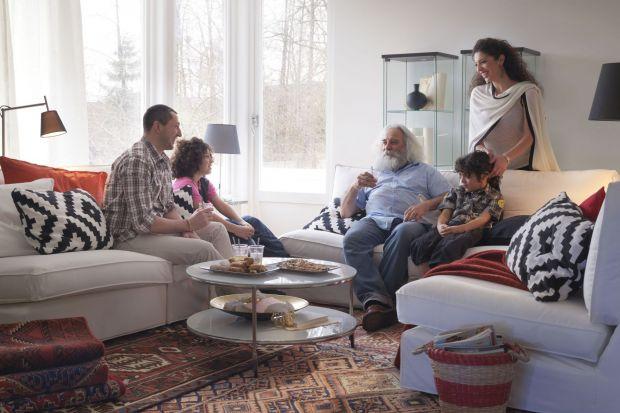 Mebel, który spełni wszystkie potrzeby dużej rodziny powinien być atrakcyjny wizualnie i wygodny. Nie do przecenienia są również jego cechy użytkowe.