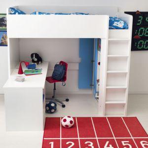 Łóżko na antresoli, a pod nim biurko to dobre rozwiązanie do niewielkich pokoi. Dzieciom zaś sprawi dużą ilość frajdy, jako miejsce nie tylko do odrabiania lekcji, ale również zabawy. Fot. IKEA