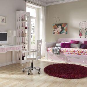 Propozycja z różowymi dodatkami. Fot. Muebles Lara
