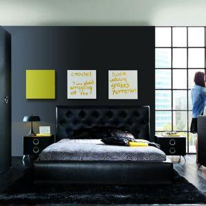 Łóżko tapicerowane Roksana marki Black Red White to doskonałe rozwiązanie, jeśli chcemy stworzyć nowoczesną, ale też elegancką aranżację sypialni. Fot. Black Red White