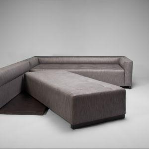 Sofa Swing z nietypową funkcją spania, projekt Tomasz Augustyniak. Fot. Comforty