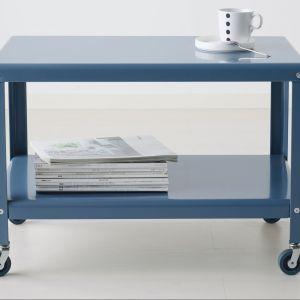 Miłośnicy industrialnej stylistyki z pewnością polubią stolik wykonany z metalu. Na zdjęciu stolik PS 2012 marki IKEA. Cena: 149 zł. Fot. IKEA