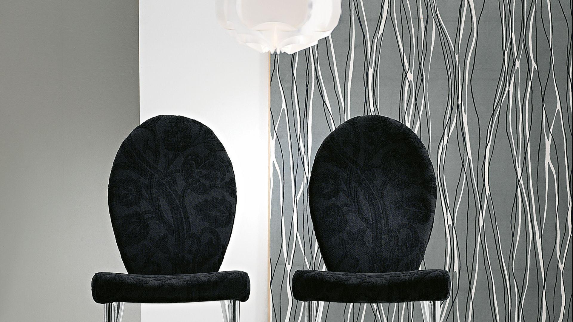 Stylizowane krzesła Ribes. Fot. Bonaldo.