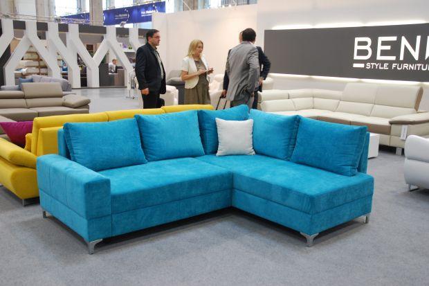 10 kolorowych sof prosto z targów. Nowości z Arena Ostróda