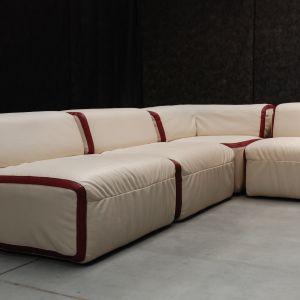 """Modułowa sofa """"Frapatto"""", której twórcą jest Jacek  Wojciech Suszek. Fot. Marta Ustymowicz"""