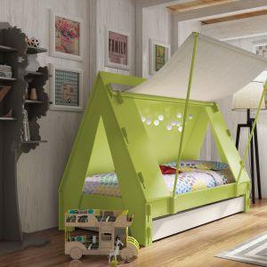 Łóżko, które wygląda jak wakacyjny namiot. Dzięki zamykanej części dziecko w łatwy sposób może zapewnić sobie odrobinę prywatności. Fot. Cuckooland