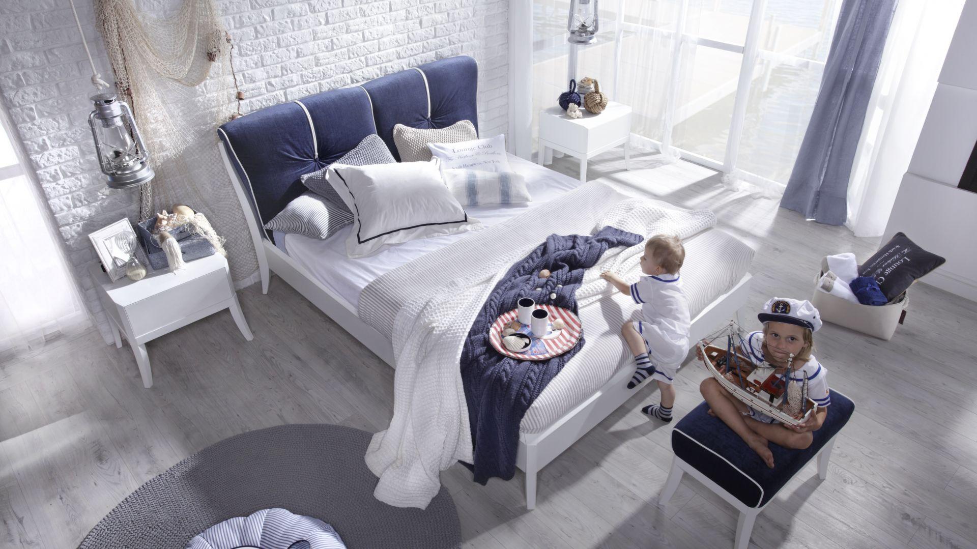 Łóżko Dream Luxury Marina pasuje do sypialni w marynistycznym stylu. Fot. Swarzędz Home