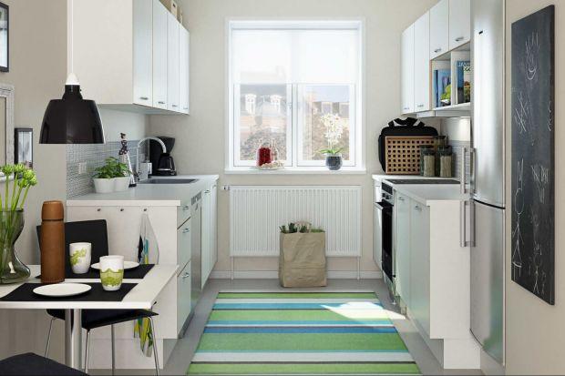 Układ dwurzędowy jest stosunkowo prosty, ale zapewnia znakomitą komunikację w obrębie pomieszczenia ze względu na bliskość wszystkich stref pracy w kuchni.