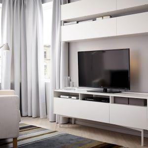 Prostota jest często największym atutem. Białe meble świetnie sprawdzą się małych pomieszczeniach. Fot. IKEA