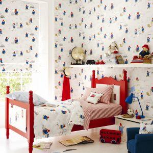 W dziecięcym pokoju modne będą tapety z wzorami o przewodnim motywie, np. marynistycznym. Fot. Jane Churchill