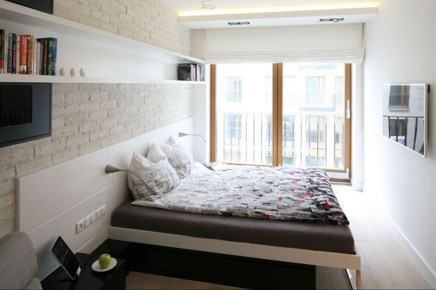 Aranżacja małej sypialni nie jest łatwą sprawą. Dobry pomysł aranżacyjny oraz sprytne meble sprawią, że wnętrze będzie komfortowe i wygodne w użytkowaniu.