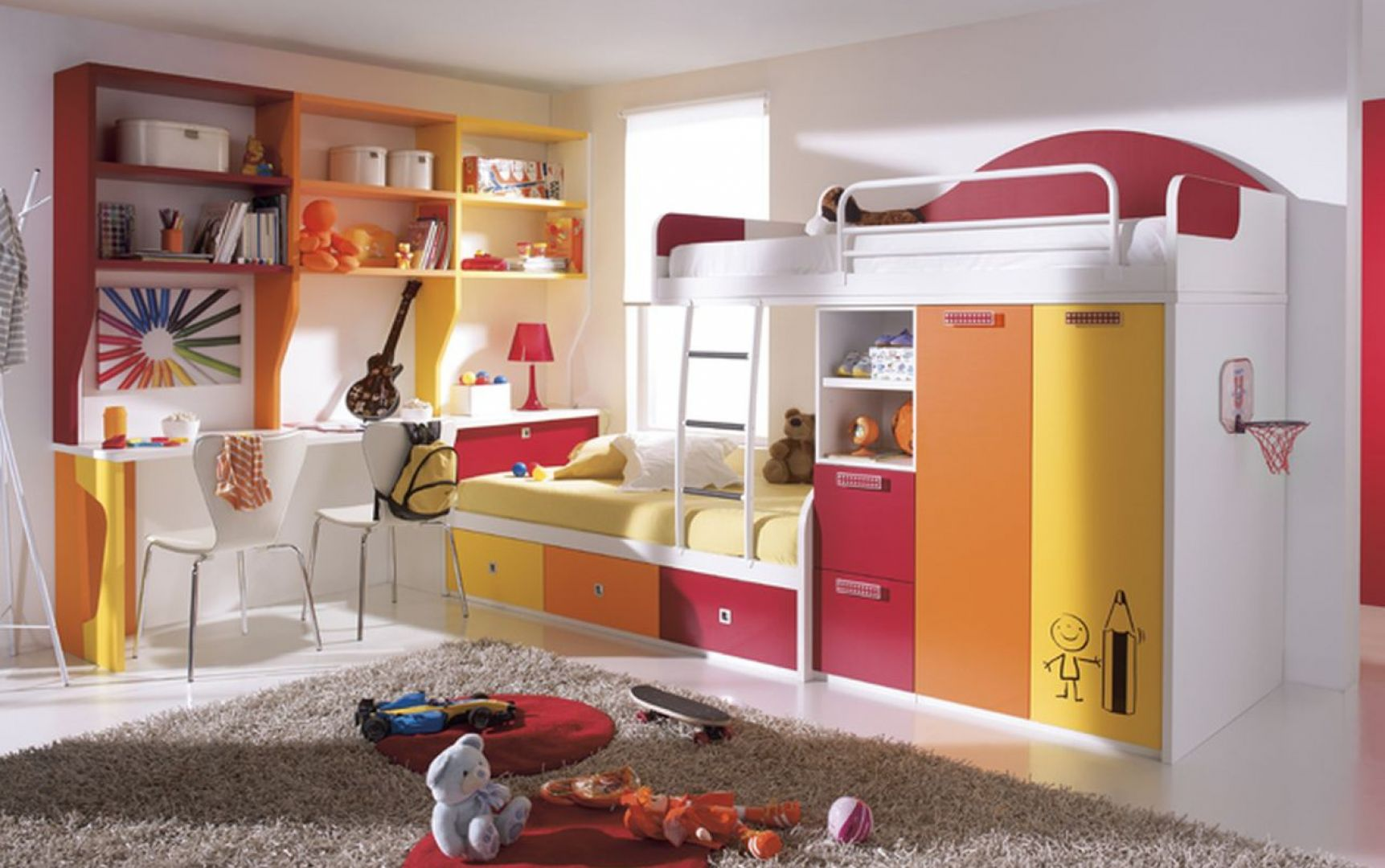 Słoneczne kolory to doskonały wybór do pokoju dzieci, połączone z bielą wyglądają świeżo i modnie. Fot. Circulo Muebles
