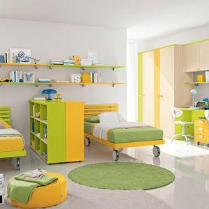 Duże pokoje zawsze można ciekawie podzielić, dzięki czemu w jednym pomieszczeniu mogą swobodnie mieszkać dwie osoby i czuć się komfortowo Fot. Colombini Casa