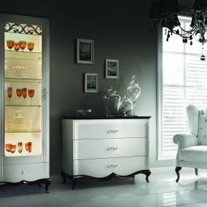"""Komoda z kolekcji """"Milano"""" idealnie sprawdzi się w stylowym salonie, jak i romantycznej sypialni. Fot. Taranko"""